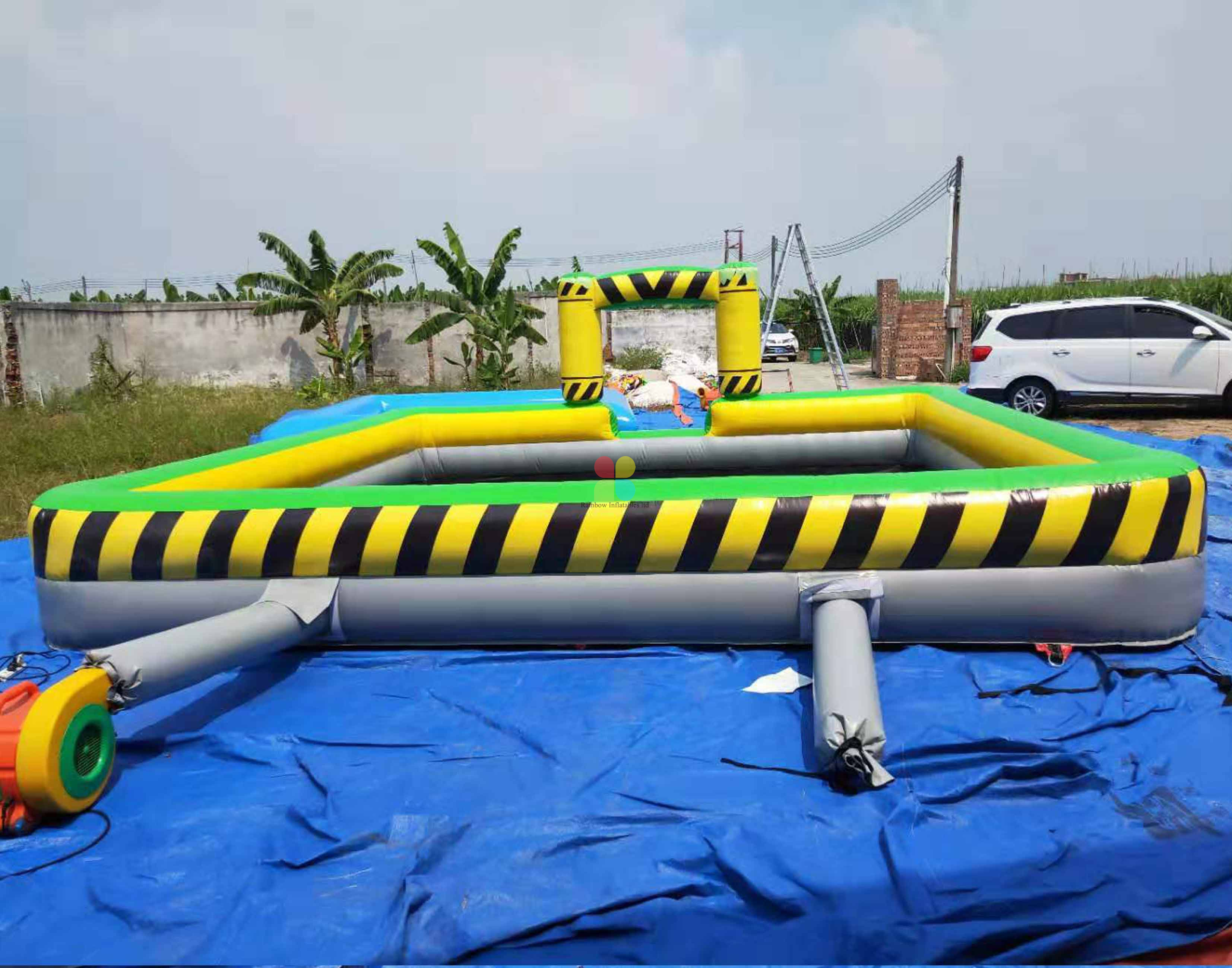 INFLATABLE MELTDOWN COLOR FOAM PIT GAME