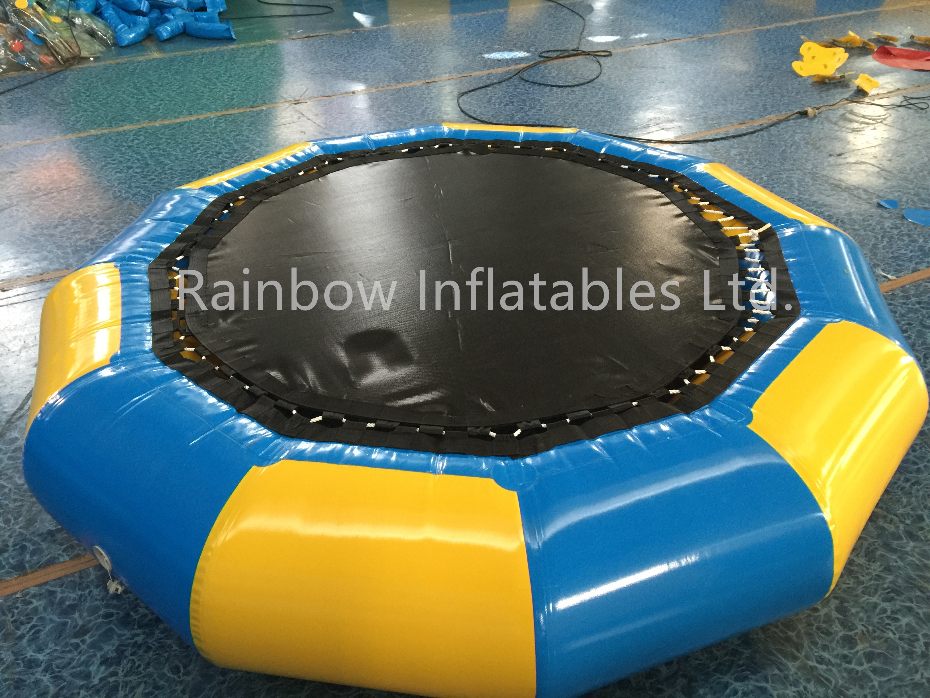 Small Outdoor Inflatable Water Trampoline Water Games for Kids And Adults