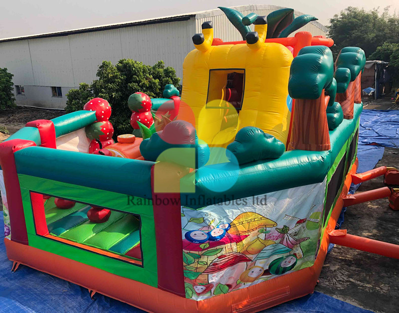 INFLATABLE 3D WHITE RADISH PLAYGROUND